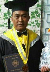 Usai di Wisuda, Sekdes Kalikotes Endri Setyawanto Resmi Sabet Master.