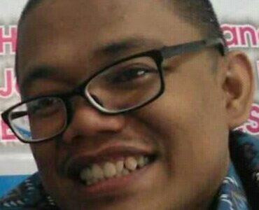 Eko Wiratno[Pengurus Pimpinan Daerah Pemuda Muhammadiyah Klaten Periode 2010-2014]REFLEKSI AKHIR TAHUN, RENUNGAN UMUR DAN AMAL KITA.