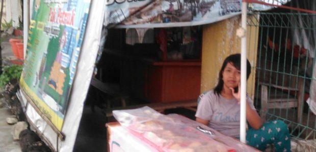 Kisah Koko, Bocah Kelas 4 SD Penjual Gorengan di Klaten, Jawa Tengah.