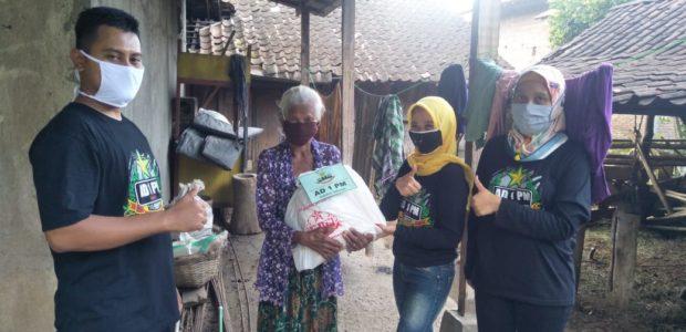 Peduli Dampak Covid-19, AD 1 PM Family Sahabat Setiawan bagikan sembako di Wonogiri