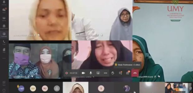 Disambut Haru Keluarga, UMY Umumkan Penerima Beasiswa Dokter Muhammadiyah