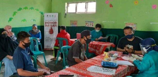 Atiqoh Retno Dewi, Mahasiswa Universitas Boyolali : Tetap Menolong Meski Pandemi.